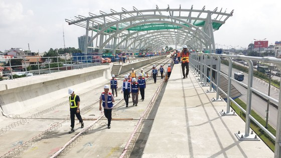 Quốc hội khảo sát thực tế để gỡ vướng cho metro Bến Thành - Suối Tiên ảnh 2