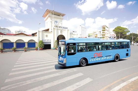 TPHCM xây dựng 12 trạm nạp gas cho xe buýt ảnh 1