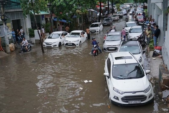 Thuê máy bơm chống ngập đường Nguyễn Hữu Cảnh gần 10 tỷ đồng/năm ảnh 2