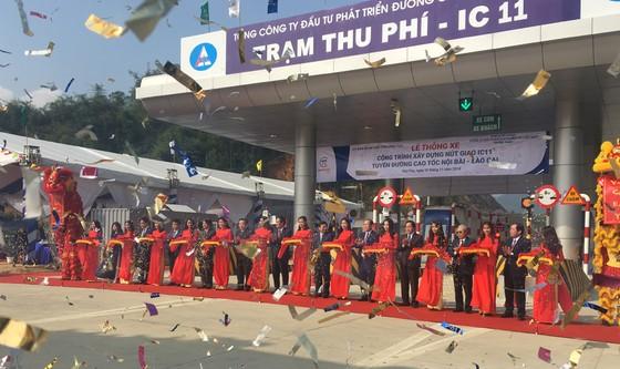 Nút giao IC-11 trên tuyến cao tốc Nội Bài - Lào Cai được thông xe và đưa vào sử dụng ảnh 1