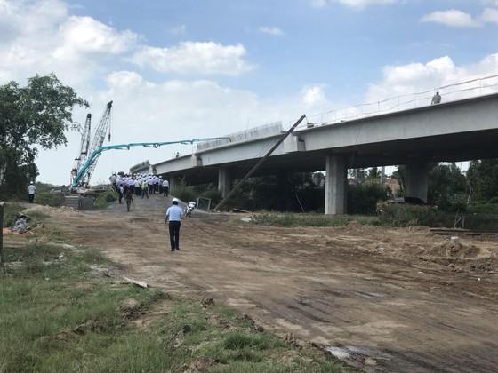 Ký kết hợp đồng tín dụng dự án cao tốc Trung Lương - Mỹ Thuận ảnh 1