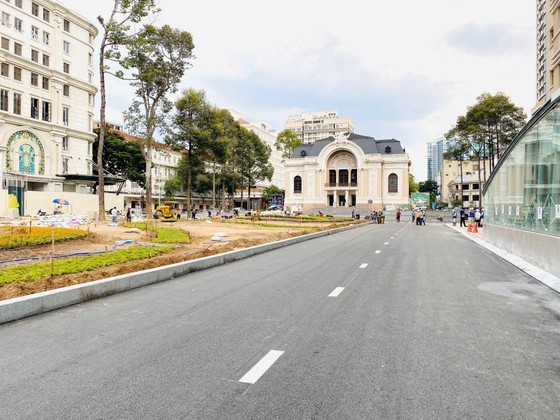 Tuyến Metro số 1 bàn giao mặt bằng Công viên Lam Sơn trước Nhà hát Thành phố sớm hơn tiến độ ảnh 2
