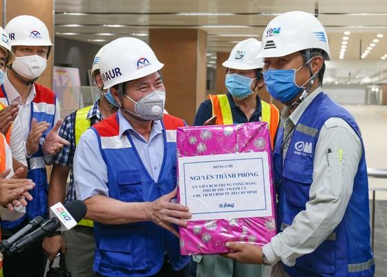 Phấn đấu cuối năm 2021 đưa vào vận hành thương mại tuyến metro số 1 Bến Thành - Suối Tiên  ảnh 5