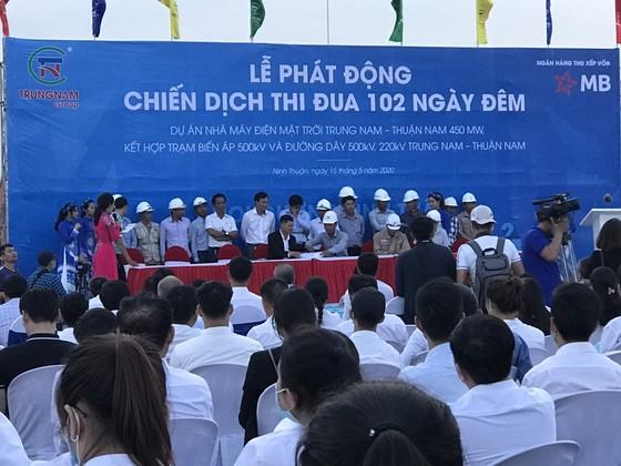 Thi đua 102 ngày đêm hoàn thành dự án Nhà máy điện mặt trời Trung Nam – Thuận Nam ảnh 2
