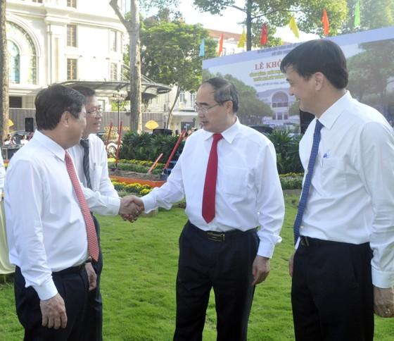 Bí thư Nguyễn Thiện Nhân dự lễ khởi công công trình khôi phục, nâng cấp công viên trước Nhà hát Thành phố ảnh 3