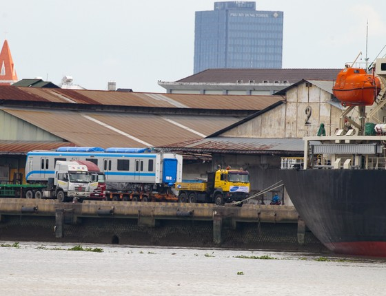 Các toa đầu tiên của metro số 1 (Bến Thành- Suối Tiên) cập cảng Khánh Hội ảnh 7