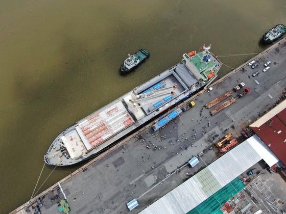 Các toa đầu tiên của metro số 1 (Bến Thành- Suối Tiên) cập cảng Khánh Hội ảnh 9