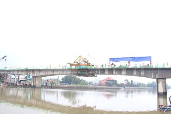 Hợp long cầu Phước Lộc huyện Nhà Bè sau 8 năm thi công ảnh 2