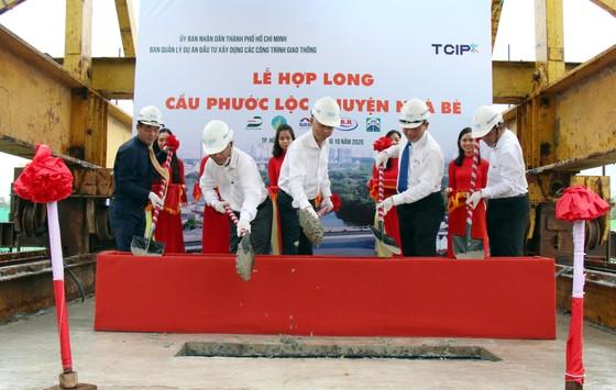 Hợp long cầu Phước Lộc huyện Nhà Bè sau 8 năm thi công ảnh 1