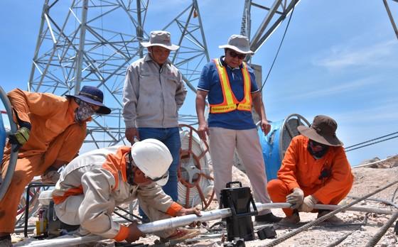Khánh thành đưa vào vận hành Trạm biến áp 500kV và đường dây 220/500kV kết hợp Nhà máy điện mặt trời Trung Nam ảnh 2
