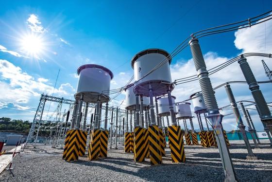 Khánh thành đưa vào vận hành Trạm biến áp 500kV và đường dây 220/500kV kết hợp Nhà máy điện mặt trời Trung Nam ảnh 5