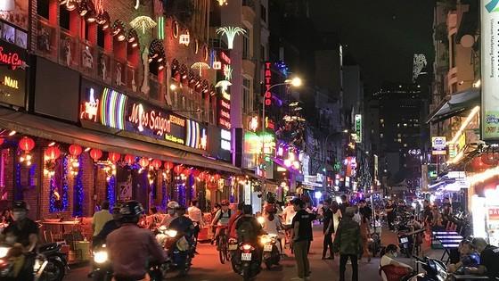 'Kinh tế đêm' là sản phẩm trọng tâm trong chiến lược phát triển du lịch TPHCM đến năm 2030 ảnh 2