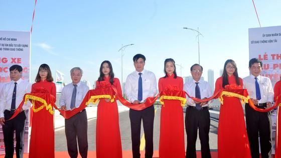 Thông xe cầu Phước Lộc, huyện Nhà Bè sau 8 năm thi công ảnh 1
