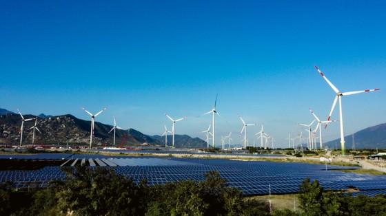 Khánh thành tổ hợp điện gió và năng lượng mặt trời lớn nhất nước ảnh 2
