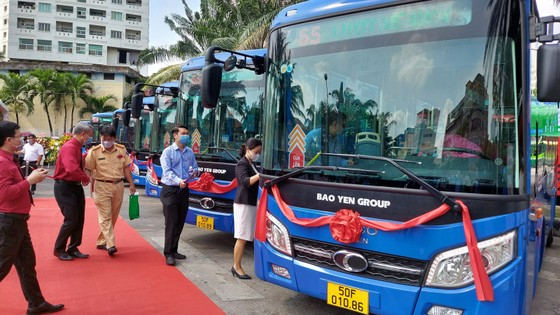 Liên danh Bảo Yến - HTX 28 trúng thầu đảm nhận khai thác 4 tuyến xe buýt trong thời gian 5 năm và bắt đầu đưa vào khai thác từ ngày 1-5-2021. Ảnh: QUỐC HÙNG