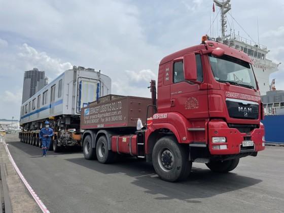 Hai đoàn tàu số 6, 7 của tuyến metro số 1 đã cập cảng Khánh Hội ảnh 4