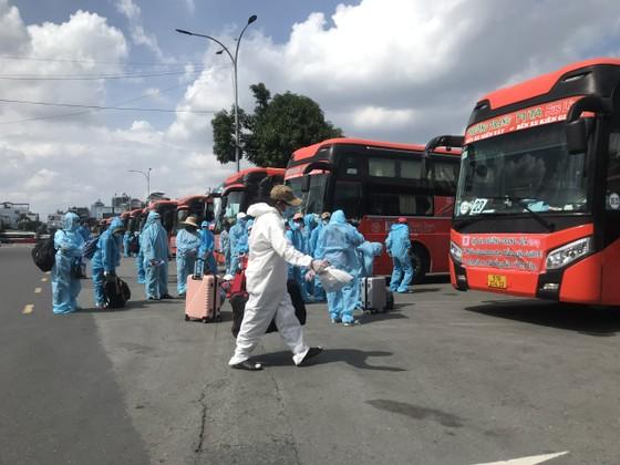 Chiều 3-8, đưa 600 người dân Phú Yên từ TPHCM về quê ảnh 2