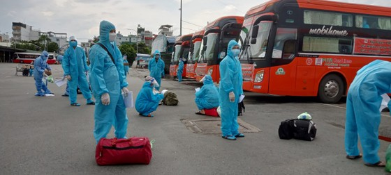 Phú Yên, Vĩnh Long tiếp tục đưa người dân về quê ảnh 2