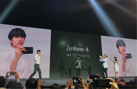 """Asus ra mắt nhiều chiếc di động với """"We Love Photo"""" ảnh 3"""