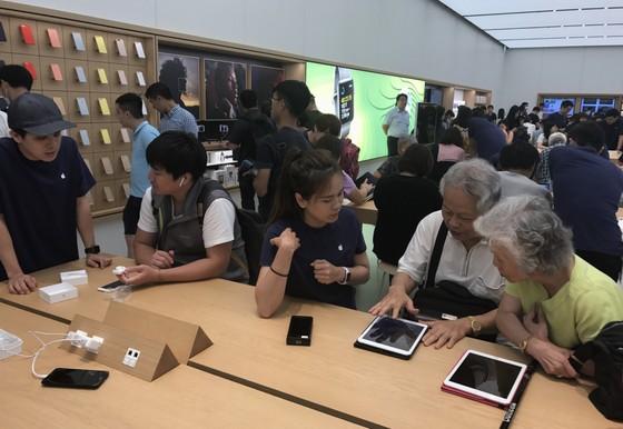 Sang trọng và gần gũi ở cửa hàng chính hãng Apple ảnh 9