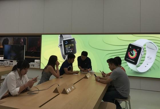 Sang trọng và gần gũi ở cửa hàng chính hãng Apple ảnh 12