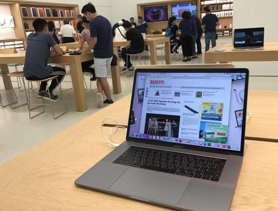 Sang trọng và gần gũi ở cửa hàng chính hãng Apple ảnh 13