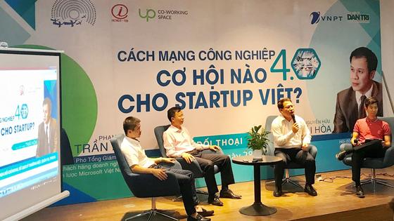 """Khởi động Nhân tài Đất Việt bằng  workshop """"Cách mạng công nghiệp 4.0 - Cơ hội nào cho Startup?"""" ảnh 1"""