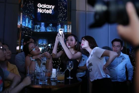 """""""Cặp đôi hoàn hảo – Làm điều kì ảo""""  với Samsung Note 8 ảnh 2"""