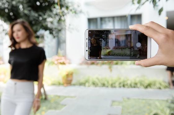 OPPO F5, càng selfie càng có hình đẹp ảnh 4