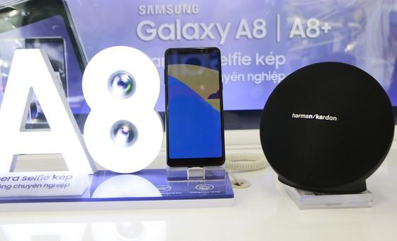 FPT Shop chính thức mở bán Galaxy A8/A8+ ảnh 1