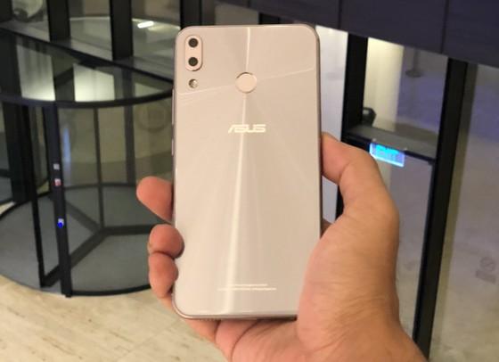 ZenFone 5: Mức giá tại Việt Nam thấp nhất thế giới, chỉ 7,9 triệu đồng ảnh 2