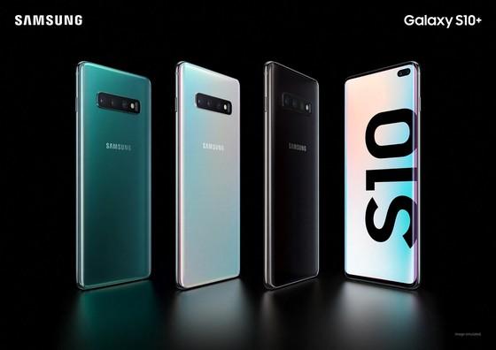 Galaxy S10 Plus ra mắt: Nâng cấp đáng kể so với Galaxy S9 Plus ảnh 2