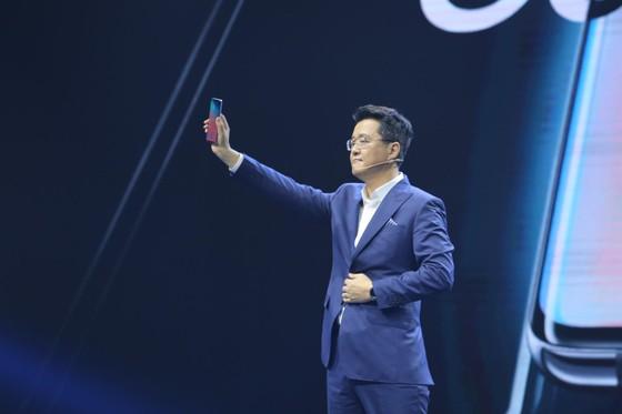 Galaxy S10+ cao cấp nhất với giá 33,99 triệu đồng ảnh 1