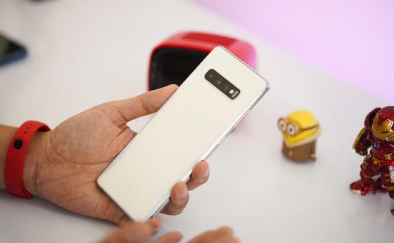 iPhone X, Galaxy S10: 2 lựa chọn cho phân khúc 15 - 16 triệu đồng ảnh 2