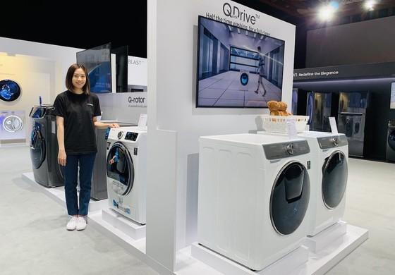 Samsung Forum 2019: Tủ lạnh kết nối Family Hub thế hệ mới và máy giặt công nghệ QuickDrive ảnh 2
