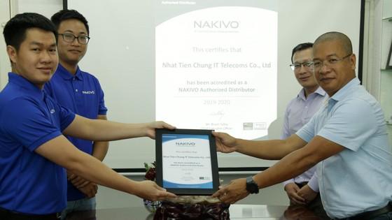 Nhất Tiến Chung ký kết hợp tác với NAKIVO phân phối nền tảng backup máy ảo ảnh 1