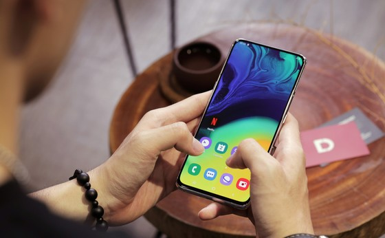 Galaxy A80 mở bán với giá chỉ 10,7 triệu, duy nhất ngày 1-8 tại Di Động Việt ảnh 2