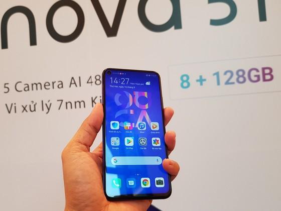 Huawei ra mắt Nova 5T với mức giá 8,99 triệu đồng ảnh 1