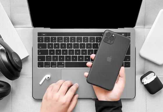 Phone 11 Pro Max được người dùng quan tâm, màu xanh gây sốt ảnh 1