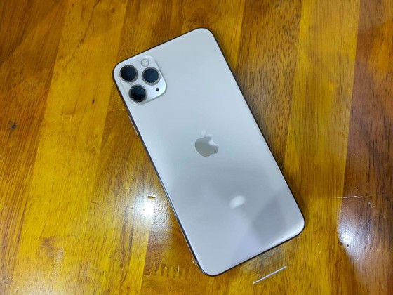 iPhone 11 Pro Max đầu tiên về Việt Nam tại Minh Tuấn Mobile ảnh 4