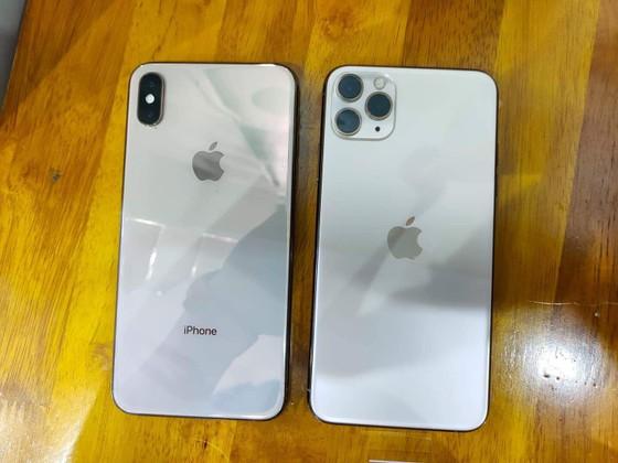 iPhone 11 Pro Max đầu tiên về Việt Nam tại Minh Tuấn Mobile ảnh 3