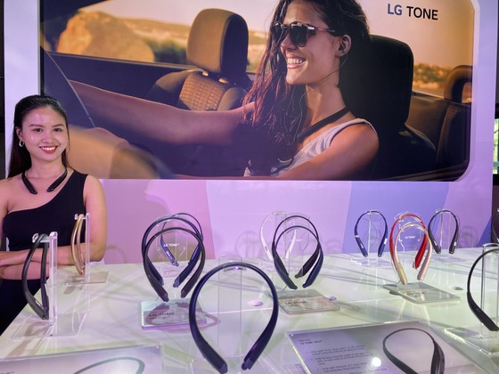 LG Electronics Việt Nam ra mắt 4 tai nghe không dây bluetooth  dòng LG Tone ảnh 2