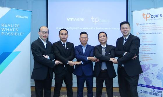 VMware và Tpcoms hợp tác thúc đẩy chuyển đổi lên đám  mây của doanh nghiệp Việt Nam ảnh 1