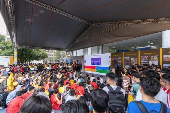 Gần 40,000 sinh viên tham dự Đại nhạc hội Realme Connection  ảnh 1