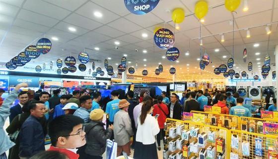 Điện máy Xanh vượt mốc 1.000 siêu thị đạt trên 40% thị phần trong ngành bán lẻ điện máy ảnh 1