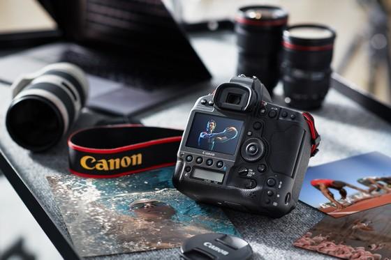 Canon ra mắt EOS-1D X Mark III  ảnh 1
