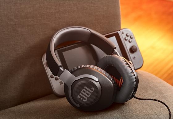 BL ra mắt dòng tai nghe Club và gaming Quantum tại CES 2020 ảnh 1