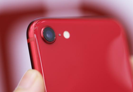 iPhone SE 2020 đầu tiên tại Việt Nam, giá từ 12,7 triệu đồng  ảnh 2
