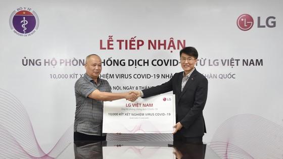 LG Việt Nam tài trợ 10.000 bộ kit xét nghiệm Covid-19 ảnh 2