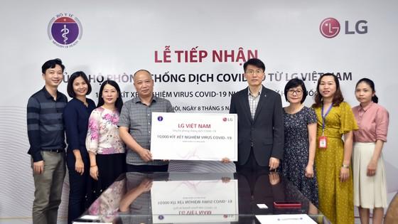 LG Việt Nam tài trợ 10.000 bộ kit xét nghiệm Covid-19 ảnh 1